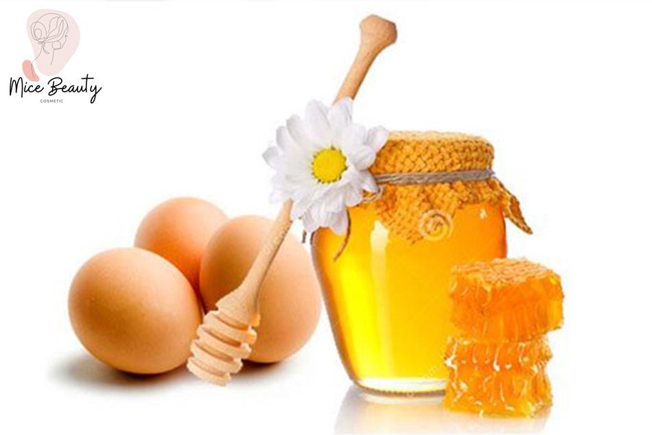 Trị mụn tại nhà bằng trứng gà và mật ong