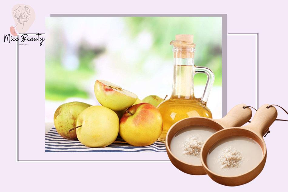 Trị mụn bằng cách kết hợp giữa nước vo gạo và giấm táo