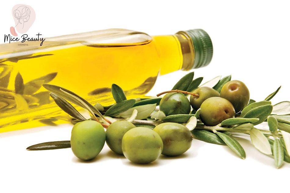 Trị mụn li ti bằng dầu oliu