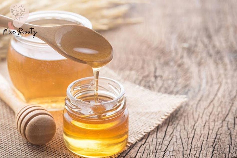 Mặt nạ trị mụn ẩn từ mật ong