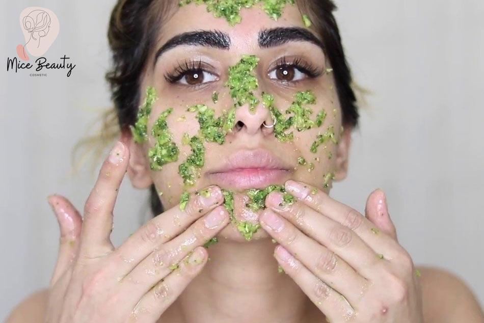 Mẹo đắp mặt nạ mướp đắng ngăn ngừa mụn ẩn