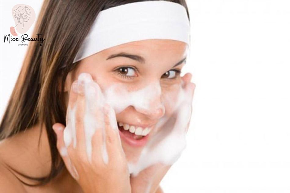 Cách chăm sóc da hiệu quả sau khi trị mụn đầu đen